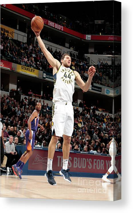 Nba Pro Basketball Canvas Print featuring the photograph Phoenix Suns V Indiana Pacers by Ron Hoskins