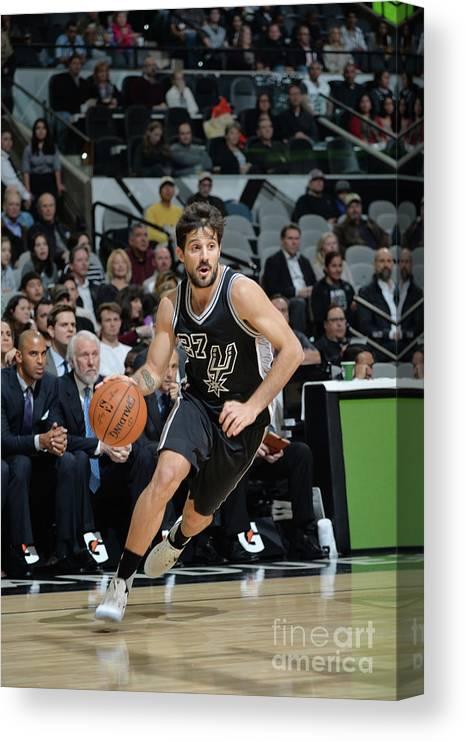 Nicolás Laprovittola Canvas Print featuring the photograph Washington Wizards V San Antonio Spurs by Mark Sobhani