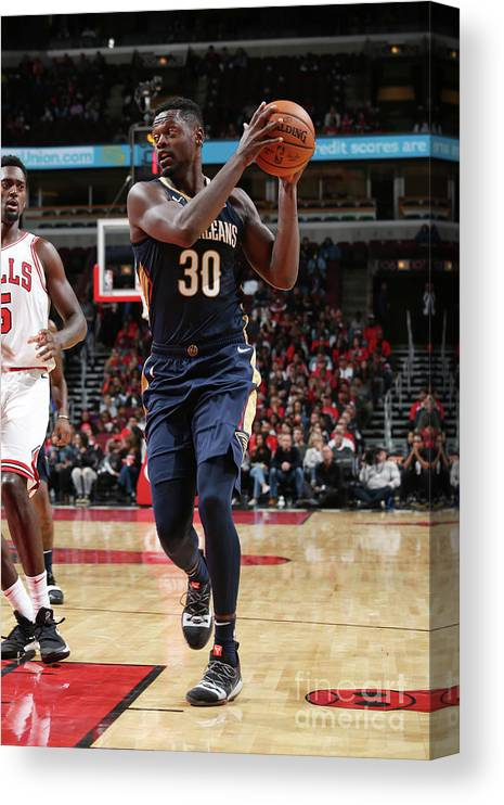 Nba Pro Basketball Canvas Print featuring the photograph Julius Randle by Gary Dineen