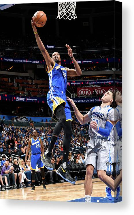 Nba Pro Basketball Canvas Print featuring the photograph Kevin Durant by Fernando Medina