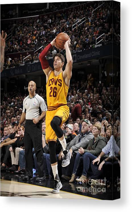 Nba Pro Basketball Canvas Print featuring the photograph Kyle Korver by David Liam Kyle