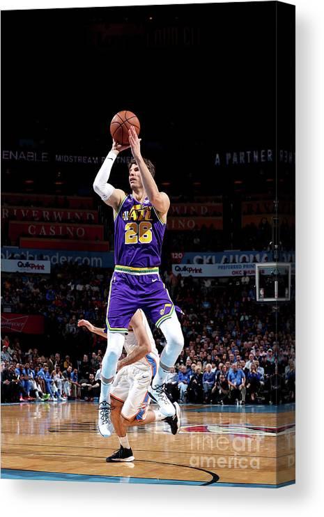 Nba Pro Basketball Canvas Print featuring the photograph Kyle Korver by Joe Murphy