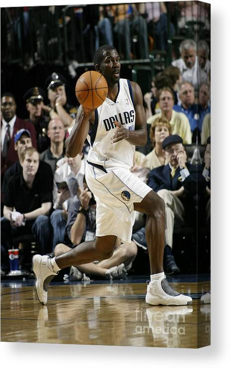 Nba Pro Basketball Canvas Print featuring the photograph Michael Finley by Glenn James