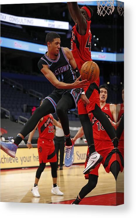 Nba Pro Basketball Canvas Print featuring the photograph Sacramento Kings v Toronto Raptors by Scott Audette