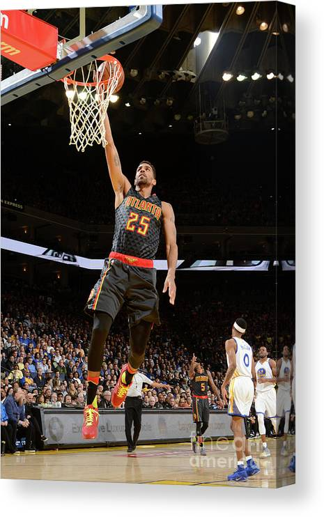 Nba Pro Basketball Canvas Print featuring the photograph Thabo Sefolosha by Noah Graham
