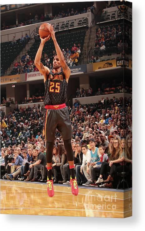 Nba Pro Basketball Canvas Print featuring the photograph Thabo Sefolosha by Ron Hoskins