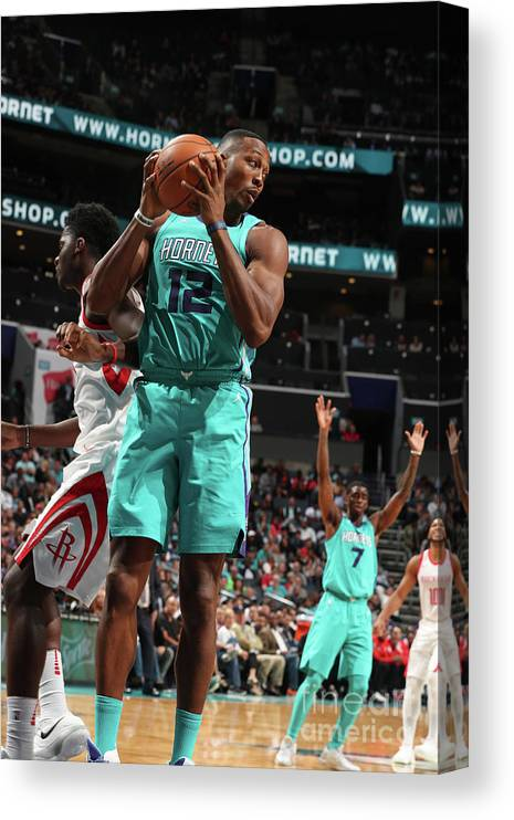 Nba Pro Basketball Canvas Print featuring the photograph Dwight Howard by Kent Smith