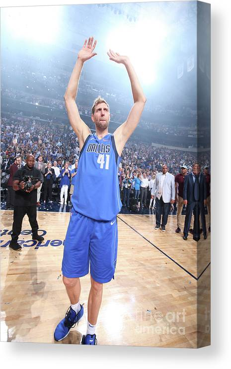 Crowd Canvas Print featuring the photograph Dirk Nowitzki by Nathaniel S. Butler