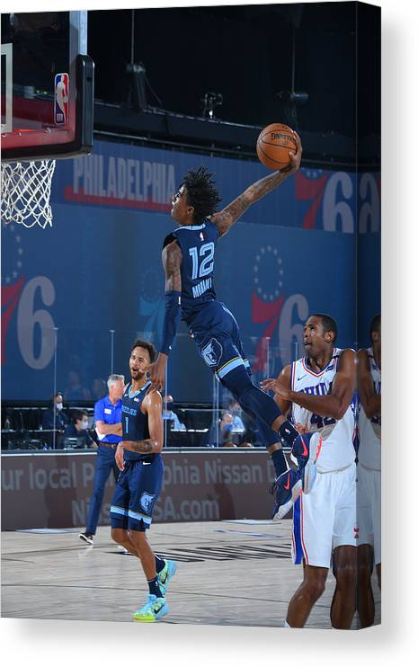 Nba Pro Basketball Canvas Print featuring the photograph Memphis Grizzlies v Philadelphia 76ers by Bill Baptist