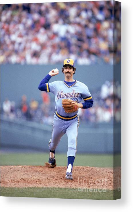 1980-1989 Canvas Print featuring the photograph Rollie Fingers by Rich Pilling