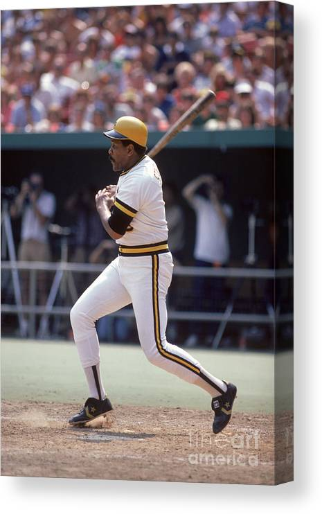 1980-1989 Canvas Print featuring the photograph Willie Stargell by Rich Pilling