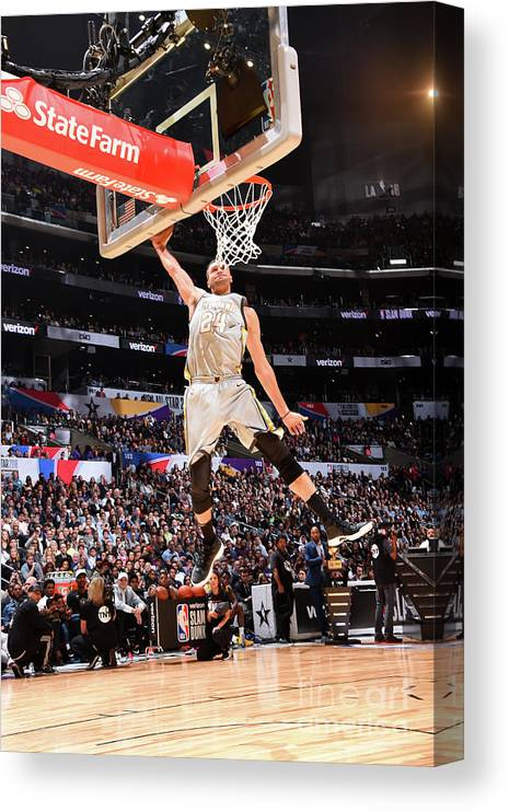 Event Canvas Print featuring the photograph Larry Nance by Andrew D. Bernstein