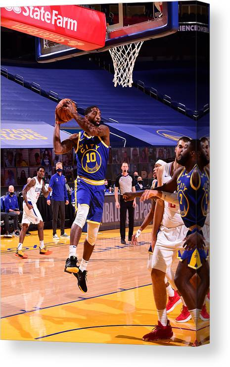 San Francisco Canvas Print featuring the photograph LA Clippers v Golden State Warriors by Noah Graham
