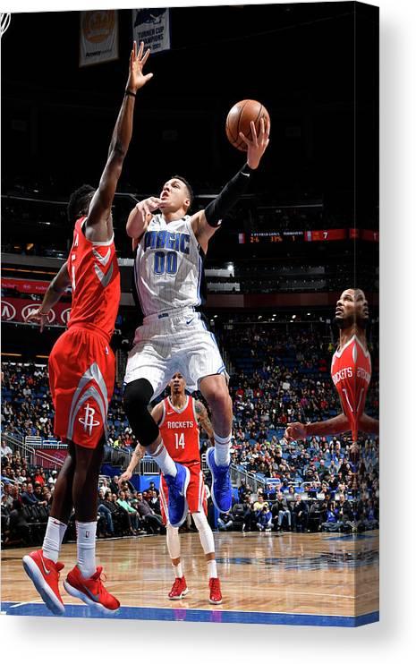 Nba Pro Basketball Canvas Print featuring the photograph Aaron Gordon by Fernando Medina