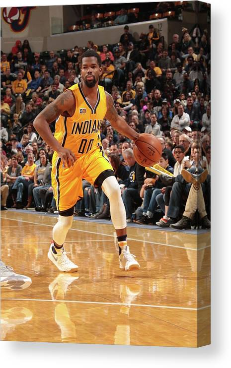 Nba Pro Basketball Canvas Print featuring the photograph Aaron Brooks by Ron Hoskins