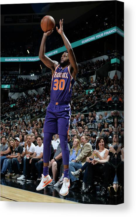 Nba Pro Basketball Canvas Print featuring the photograph Antonio Daniels by Mark Sobhani