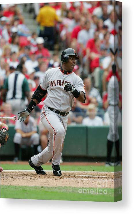 Sports Bat Canvas Print featuring the photograph Barry Bonds by Dilip Vishwanat