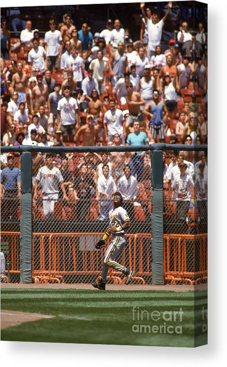 Candlestick Park Canvas Print featuring the photograph Barry Bonds by Otto Greule Jr