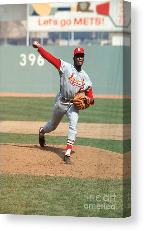 St. Louis Cardinals Canvas Print featuring the photograph Bob Gibson by Louis Requena