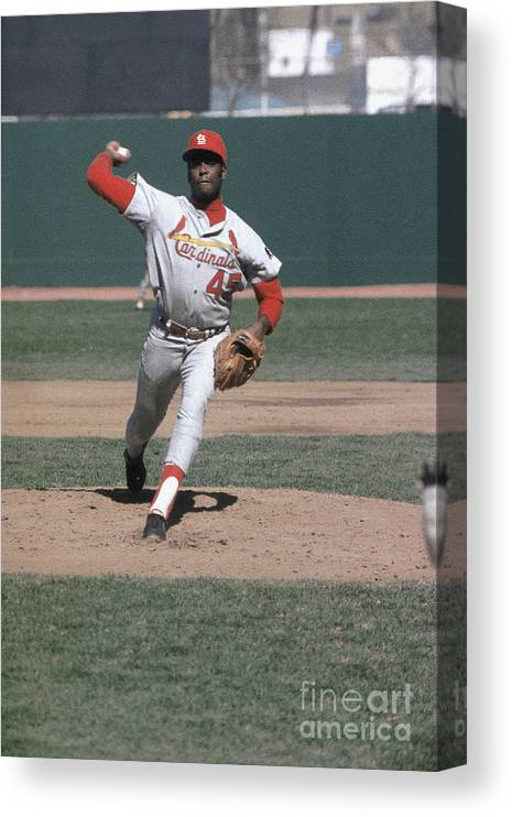 St. Louis Cardinals Canvas Print featuring the photograph Bob Hall by Louis Requena