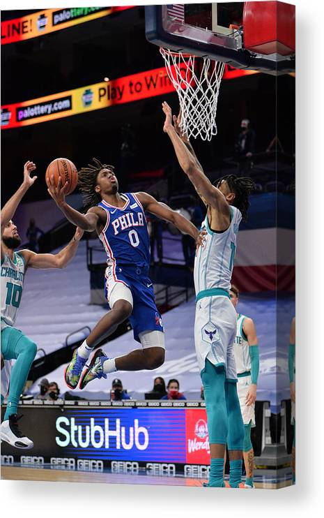 Nba Pro Basketball Canvas Print featuring the photograph Charlotte Hornets v Philadelphia 76ers by David Dow