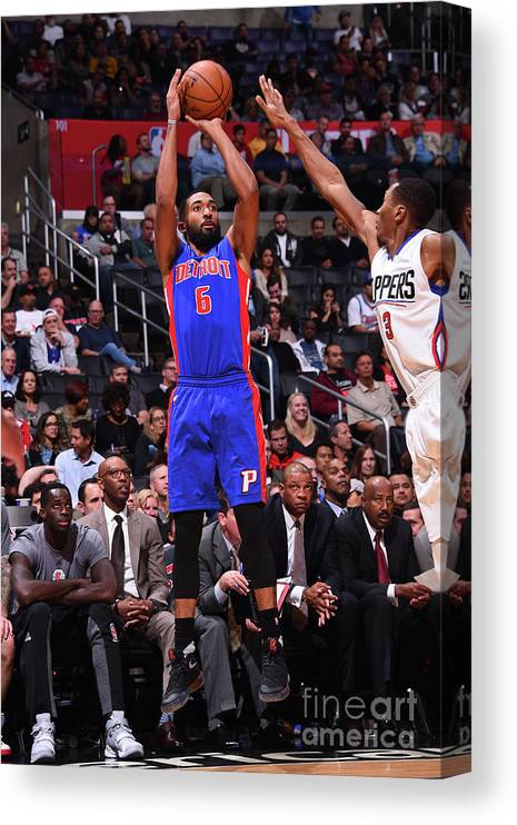 Nba Pro Basketball Canvas Print featuring the photograph Darrun Hilliard by Juan Ocampo