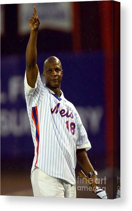 People Canvas Print featuring the photograph Darryl Strawberry by Chris Trotman