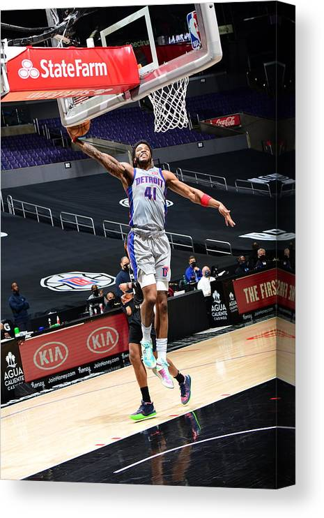 Nba Pro Basketball Canvas Print featuring the photograph Detroit Pistons vs. Los Angeles Clippers by Adam Pantozzi