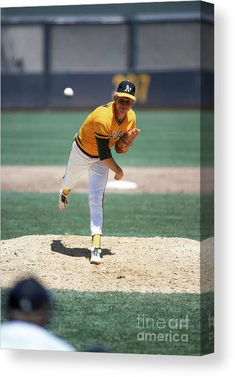 1980-1989 Canvas Print featuring the photograph Don Sutton by Rich Pilling