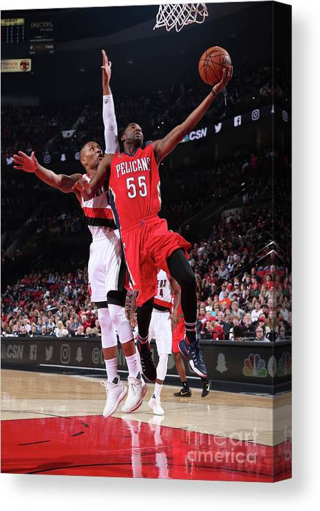 Nba Pro Basketball Canvas Print featuring the photograph E'twaun Moore by Sam Forencich