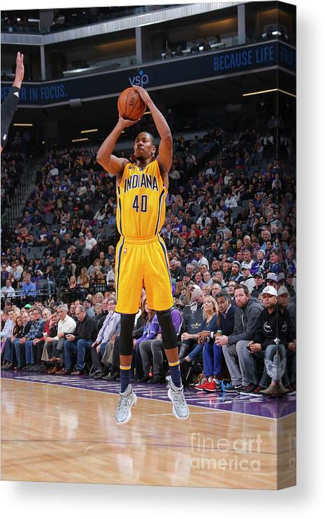 Nba Pro Basketball Canvas Print featuring the photograph Glenn Robinson by Rocky Widner