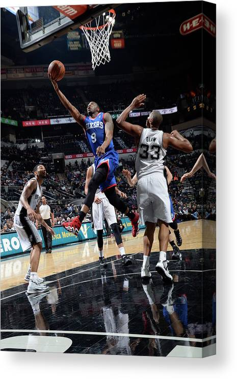 Nba Pro Basketball Canvas Print featuring the photograph James Anderson by D. Clarke Evans