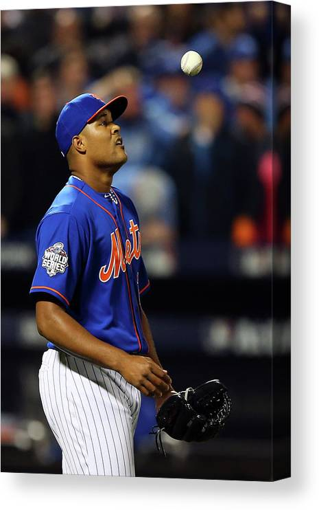 Three Quarter Length Canvas Print featuring the photograph Jeurys Familia by Elsa