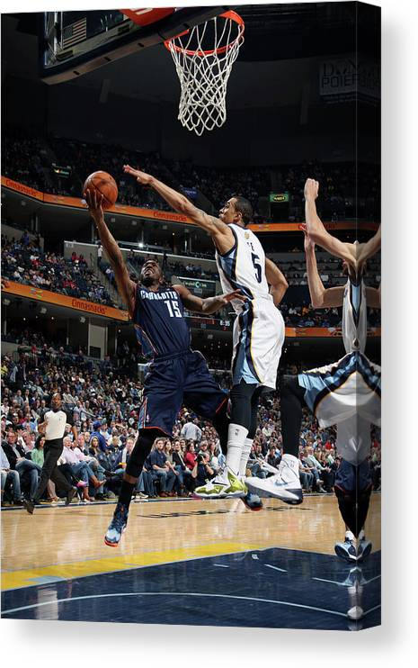 Kemba Walker Canvas Print featuring the photograph Kemba Walker by Joe Murphy