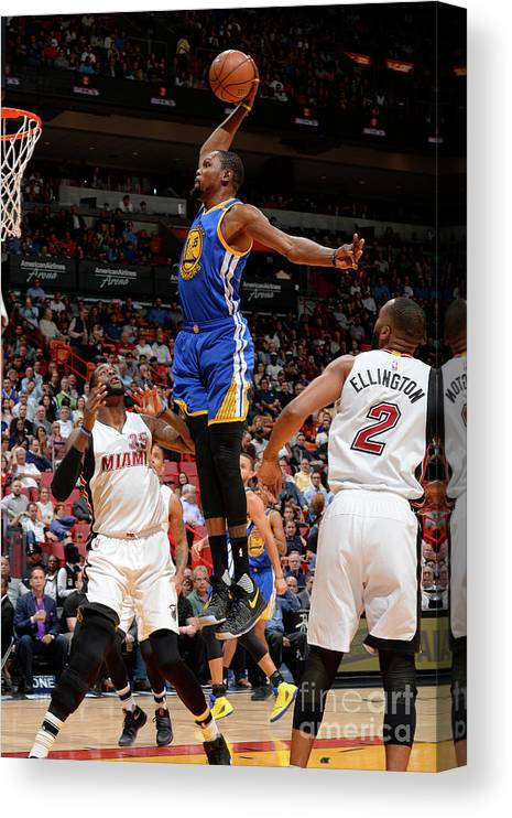 Nba Pro Basketball Canvas Print featuring the photograph Kevin Durant by David Dow