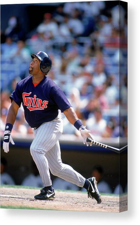 American League Baseball Canvas Print featuring the photograph Kirby Puckett by Rich Pilling