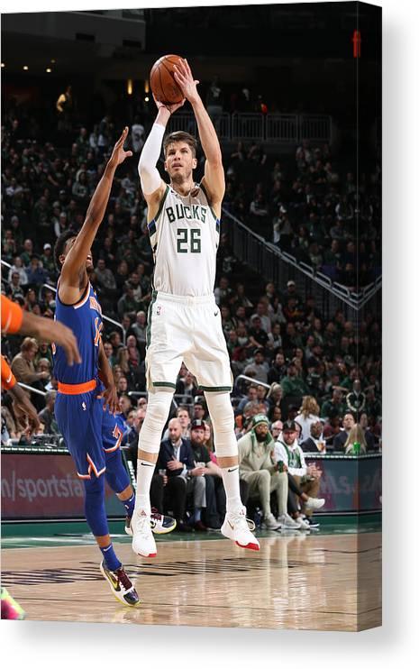 Nba Pro Basketball Canvas Print featuring the photograph Kyle Korver by Gary Dineen