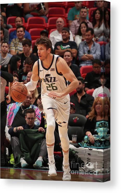 Nba Pro Basketball Canvas Print featuring the photograph Kyle Korver by Issac Baldizon