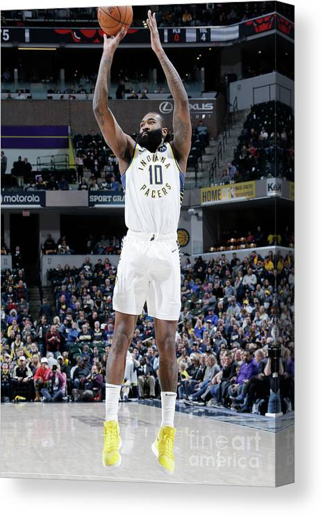 Nba Pro Basketball Canvas Print featuring the photograph Kyle O'quinn by Ron Hoskins