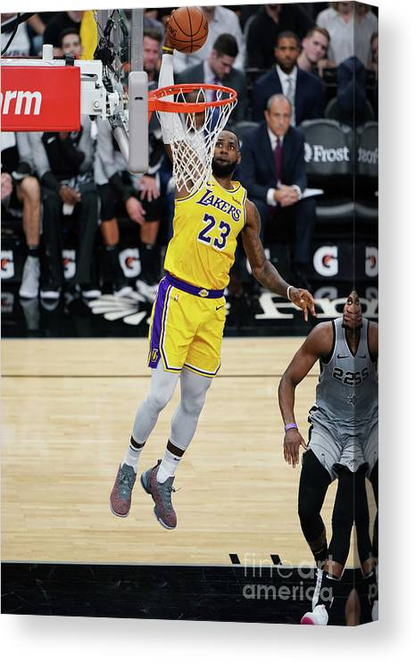 Nba Pro Basketball Canvas Print featuring the photograph Lebron James by Darren Carroll