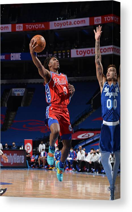 Nba Pro Basketball Canvas Print featuring the photograph Los Angeles Lakers v Philadelphia 76ers by David Dow