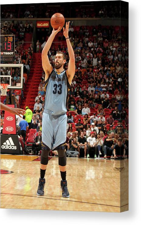 Nba Pro Basketball Canvas Print featuring the photograph Marc Gasol by Oscar Baldizon
