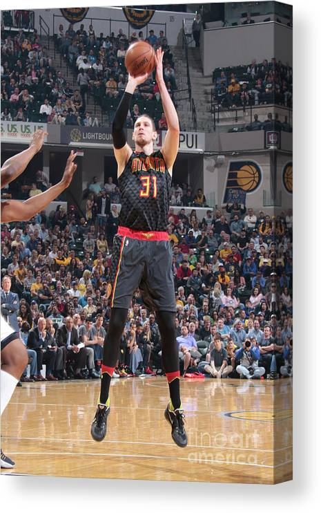 Nba Pro Basketball Canvas Print featuring the photograph Mike Muscala by Ron Hoskins
