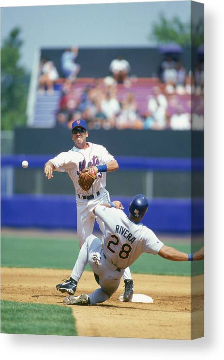 National League Baseball Canvas Print featuring the photograph New York Mets by Rich Pilling