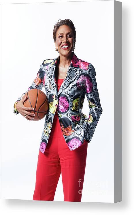 Nba Pro Basketball Canvas Print featuring the photograph Robin Roberts by Atiba Jefferson