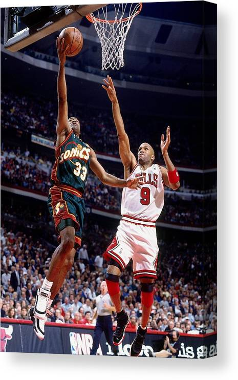 Ron Harper Canvas Print featuring the photograph Ron Harper and Hersey Hawkins by Nathaniel S. Butler