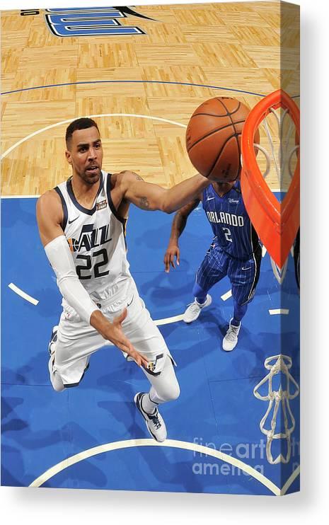 Nba Pro Basketball Canvas Print featuring the photograph Thabo Sefolosha by Fernando Medina