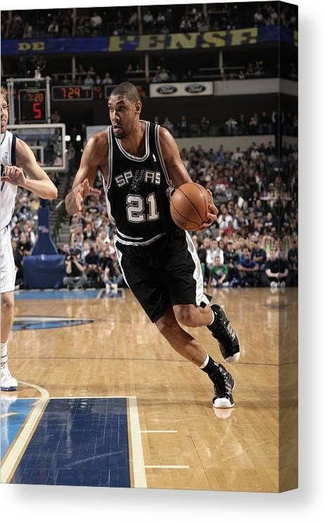 Nba Pro Basketball Canvas Print featuring the photograph Tim Duncan by Glenn James