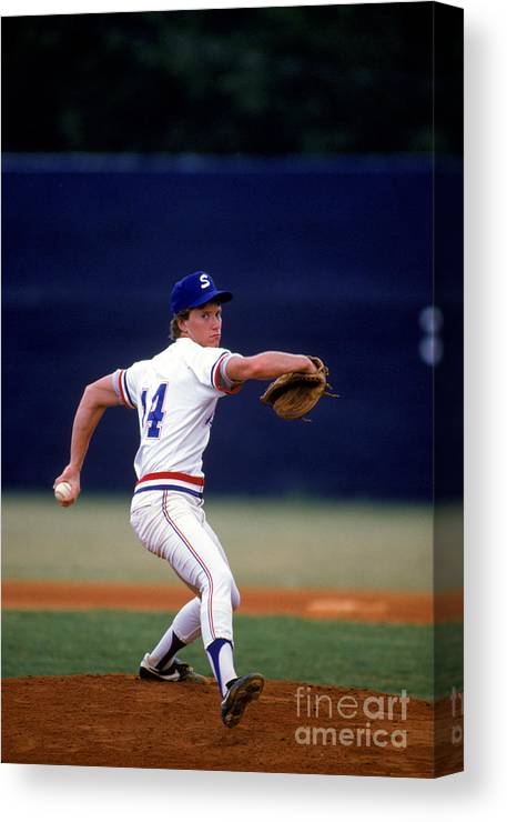 1980-1989 Canvas Print featuring the photograph Tom Glavine by Rich Pilling
