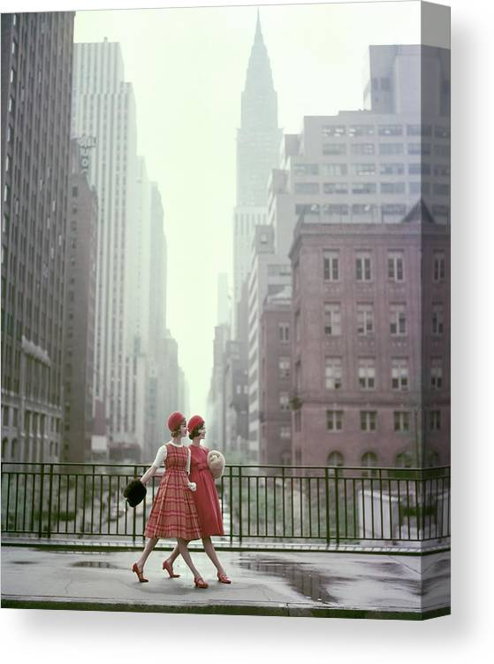 Accessories Canvas Print featuring the photograph Models In New York City by Sante Forlano